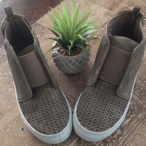 👟hightop sneaker